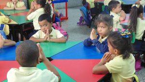 Niños del Programa de Alimentación Escolar