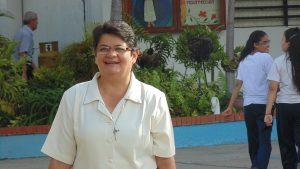 Hermana Adelis Romero, Misionera Agustina Recoleta que presta su servicio en el Programa de Alimentación Escolar.