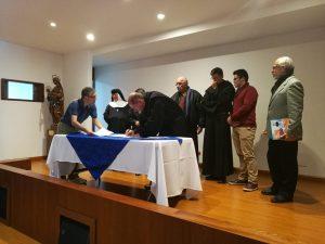 Firma del acta constitutiva de ARCORES Colombia